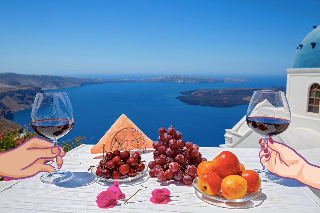 Melihat pemandangan indah Santorini sambil menikmati anggur